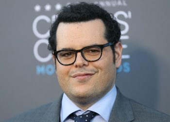 Josh Gad arrives at the 20th annual Critics' Choice Movie Awards at the Hollywood Palladium on Thursday, Jan. 15, 2015, in Los Angeles. (Photo by Matt Sayles/Invision/AP)