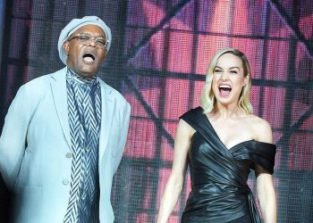 Brie Larson and Samuel Jackson